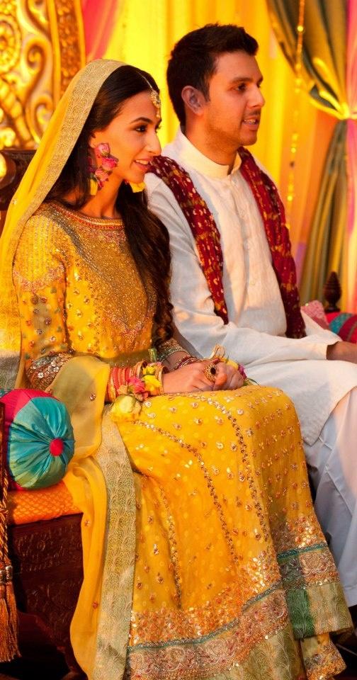 Top latest superb pakistani mehndi dresses collection for Pakistani wedding mehndi dresses
