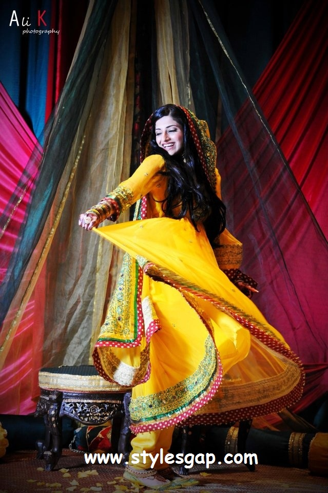 pakistani mehndi dresses-stylesgap com - StylesGap com