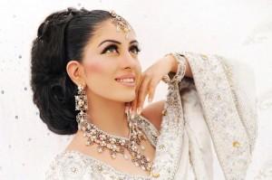 Best Bridal Makeup-Stylesgap (1)