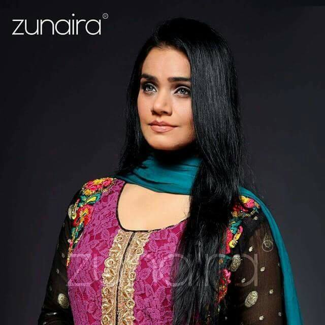 pakistani-party-wear-dresses-collection-2016-17-by-zunairas-lounge-22