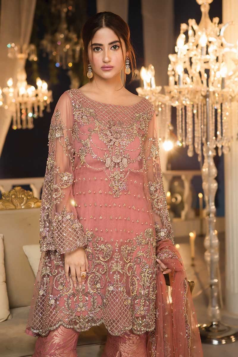 These Maria B Couture Latest Fancy Formal Wedding Dresses are now available  to order. So be the first to wear the awesome dress by Pakistan s no one ... 17f314f82
