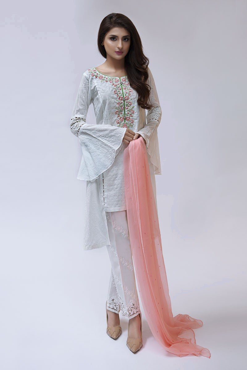 9189106e5 We are sharing both casuals and evening wear spring-summer suits designs.  Now your summers are ready to rock. Because each design speaks itself.