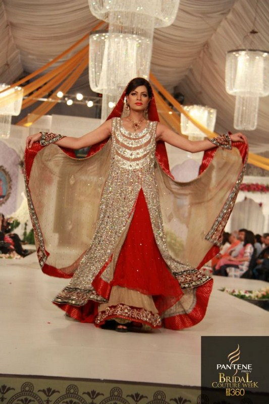 Latest Bridal dresses for Barat, Mehndi and Walima (11)