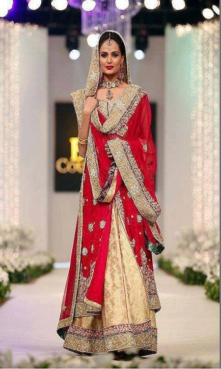 Latest Bridal dresses for Barat, Mehndi and Walima (13)