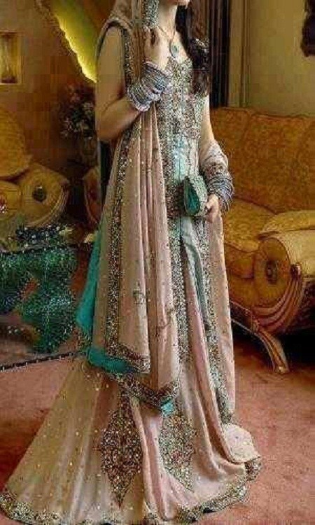 Latest Bridal dresses for Barat, Mehndi and Walima (14)