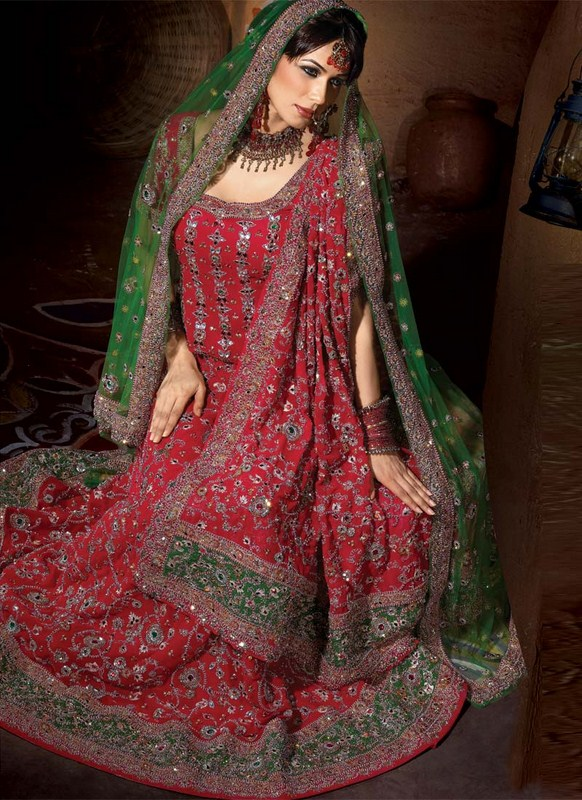 Latest Bridal dresses for Barat, Mehndi and Walima (6)