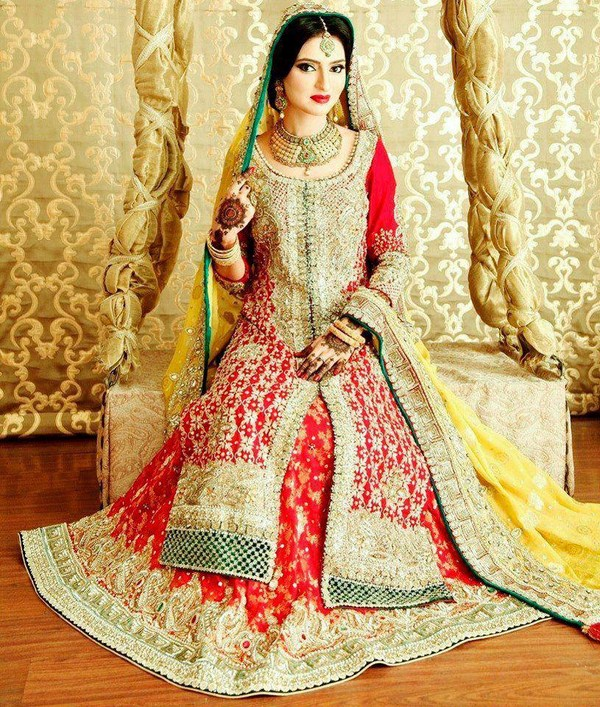 Latest Bridal dresses for Barat, Mehndi and Walima (7)