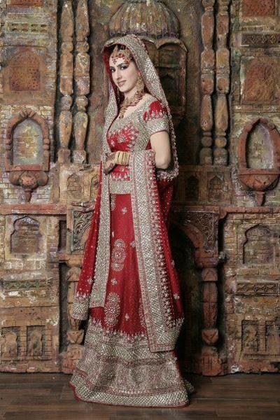 Latest Bridal dresses for Barat, Mehndi and Walima (9)