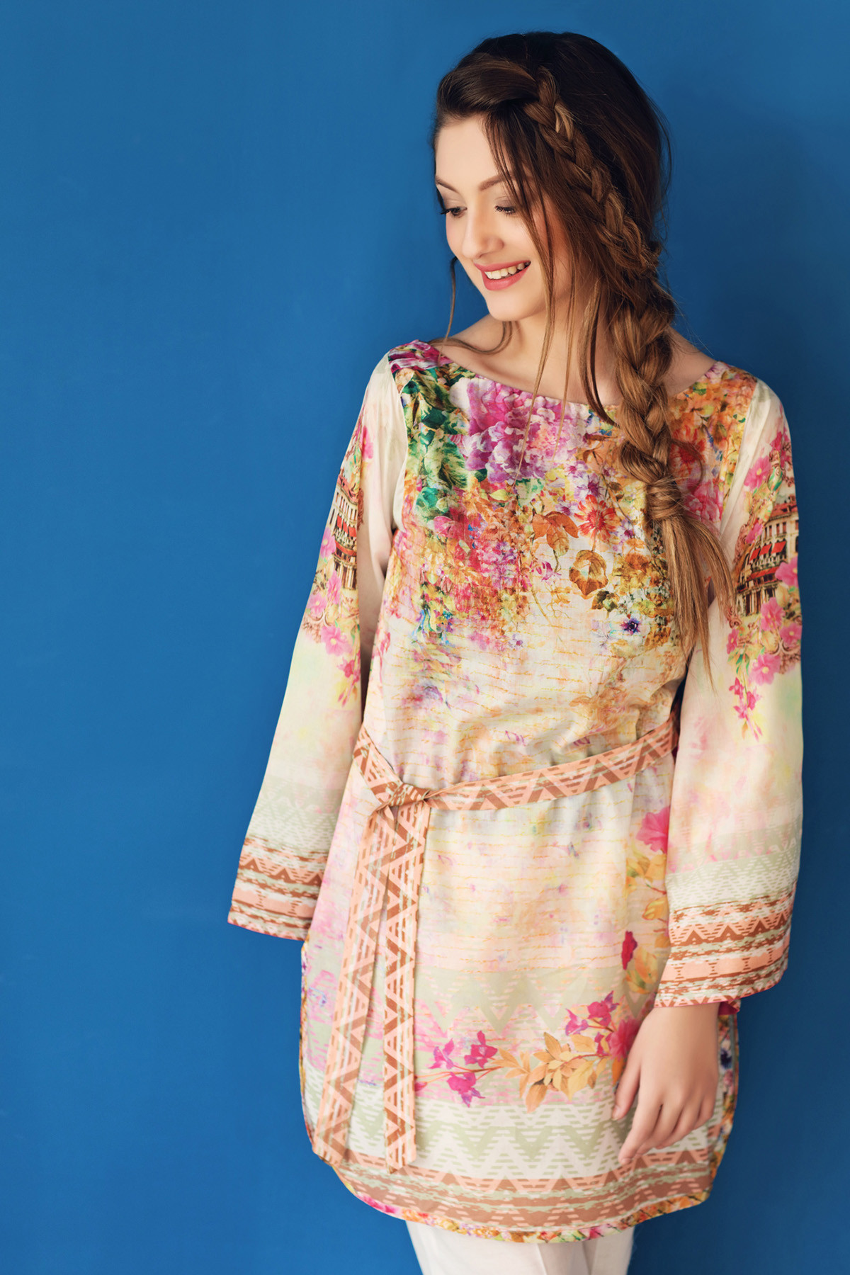 warda single asian girls Warda introduced two types of designer lawn collections first is 3-pc designer lawn shalwar suit and single kurta collection for young, glamorous and fashionable girls.