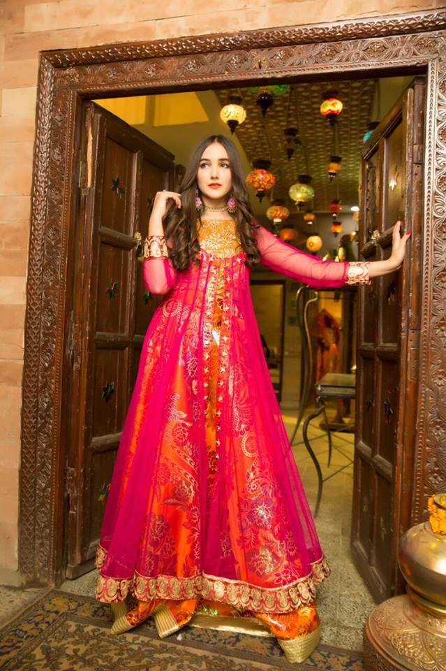 3fdcc0cc5ea82 The colour combination used in these attires are the mixture of light and  dark hues of black, blue, royal blue, peach, pink, red, green, orange, ...