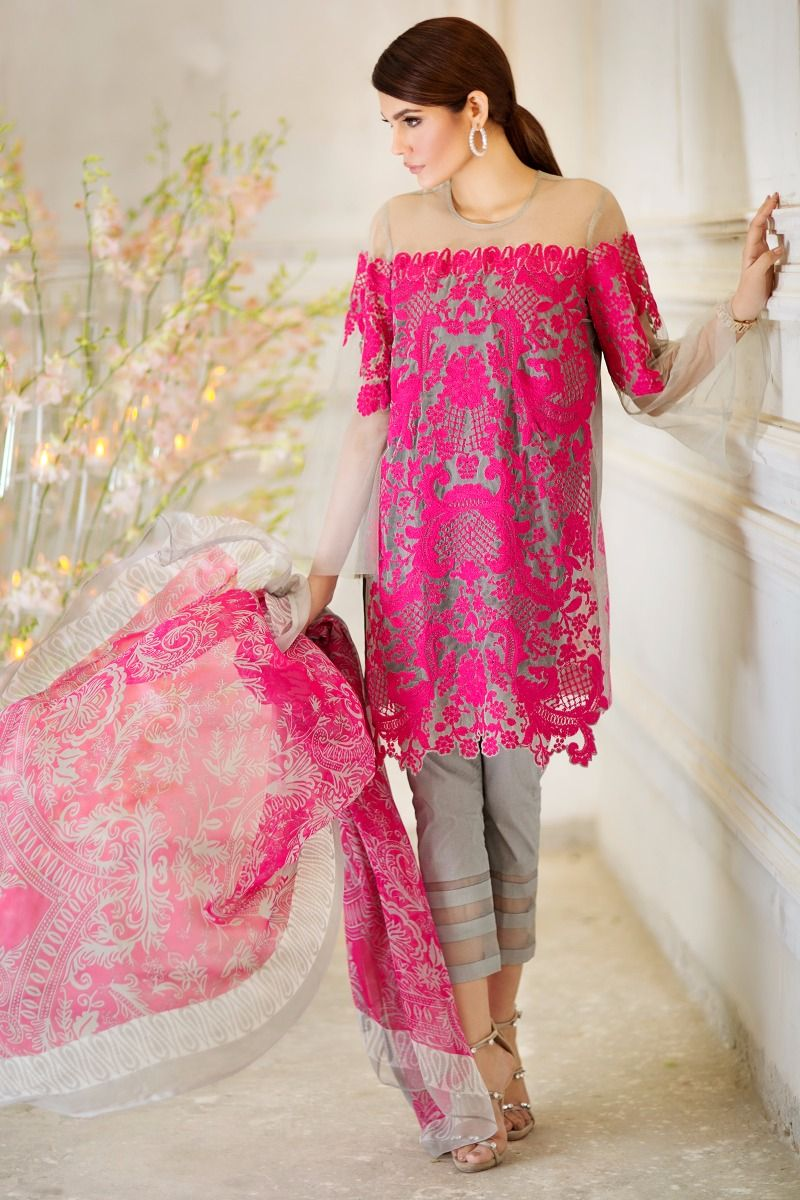 Sana Safinaz Best Summer Lawn Dresses Latest Printed Embroidered Collection 2017-2018 (7)