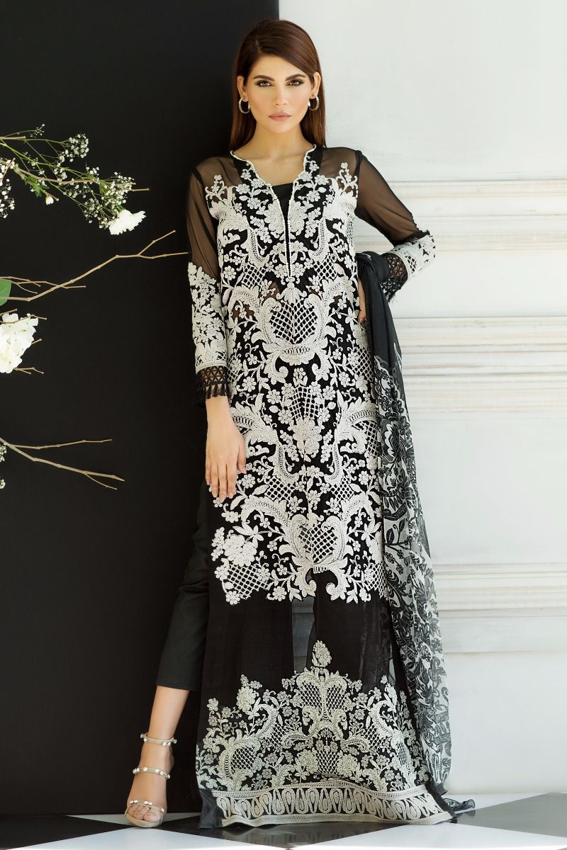 Sana Safinaz Best Summer Lawn Dresses Latest Printed Embroidered Collection 2017-2018 (8)