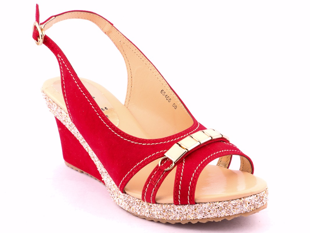 Latest Ladies Footwear Designs Stylo Shoes Eid Collection ...