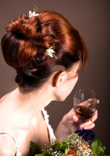 Hairstyles For Party Look : New modern and stylish wedding & party wear hairstyles looks