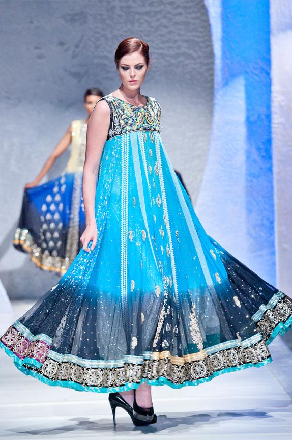 Latest Asian Umbrella Style Dresses & Frocks Designs (14)