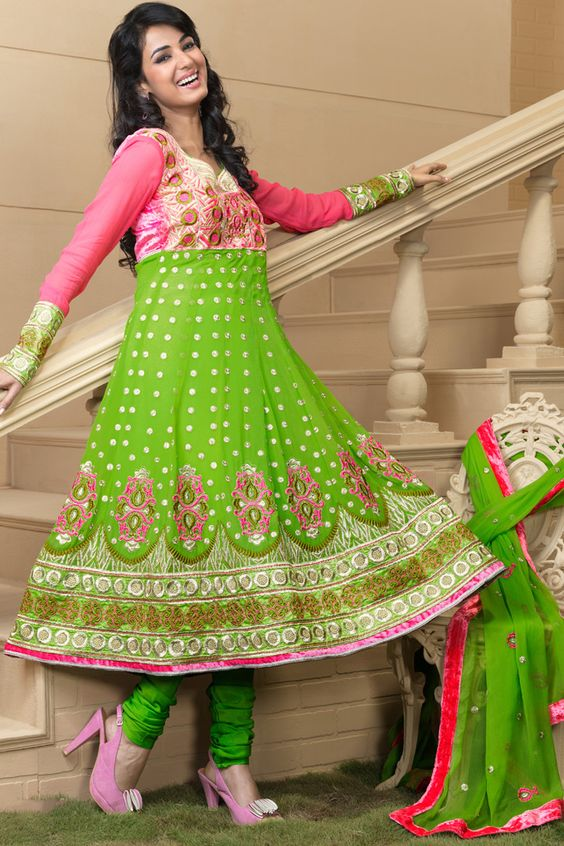 Latest Asian Umbrella Style Dresses & Frocks Designs (6)