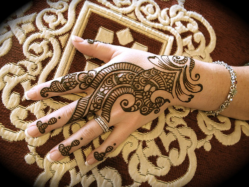 Latest Best and Beautiful mehndi designs for hands-feet for women 2014-2015 (1)
