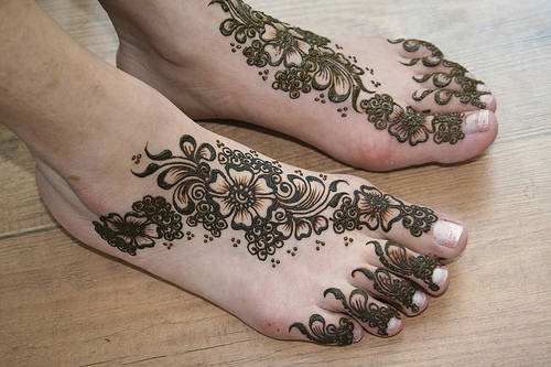 Latest Best and Beautiful mehndi designs for hands-feet for women 2014-2015 (16)