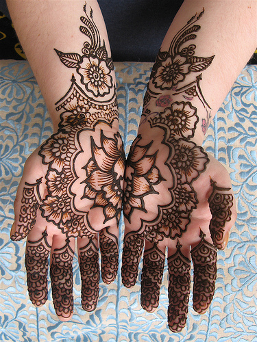 Latest Best and Beautiful mehndi designs for hands-feet for women 2014-2015 (2)