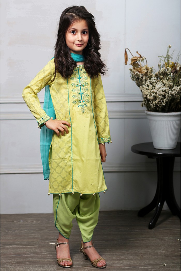 Latest Collection Maria B Fancy Kids Dresses Designs for Girls 2016-2017 (5)