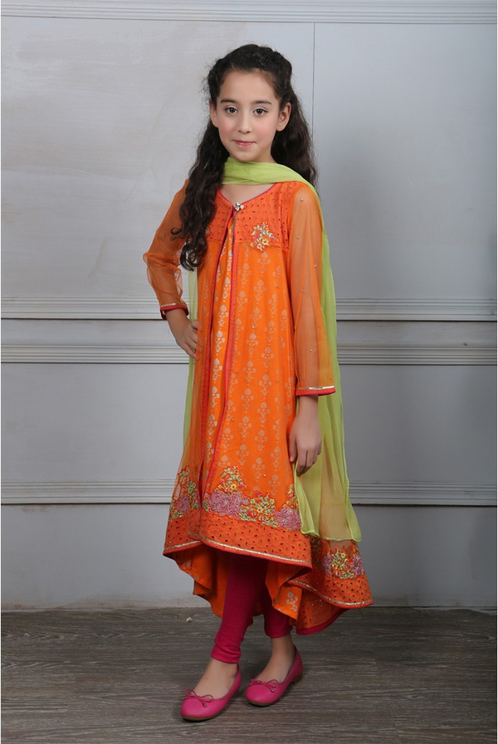 9 Best & Latest Orange Kurta Designs For Ladies And Gents ...
