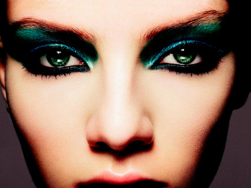Sexy Hot and Bold Makeup Ideas To Try- www.stylesgap.com