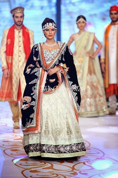 Deepak Perwani Latest Bridal-wedding wear dressescollection for men and women at Pantane Bridal Couture week 2014  (16)