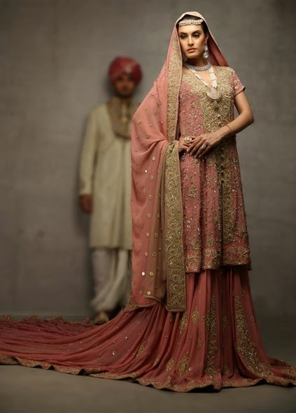 Deepak Perwani Latest Bridal-wedding wear dressescollection for men and women at Pantane Bridal Couture week 2014  (4)