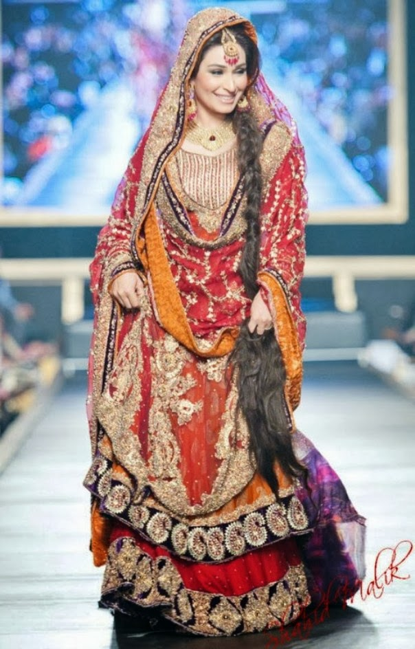 HSY- Latest wedding dresses 2014-2015- Pantene bridal couture week 2014 (1)