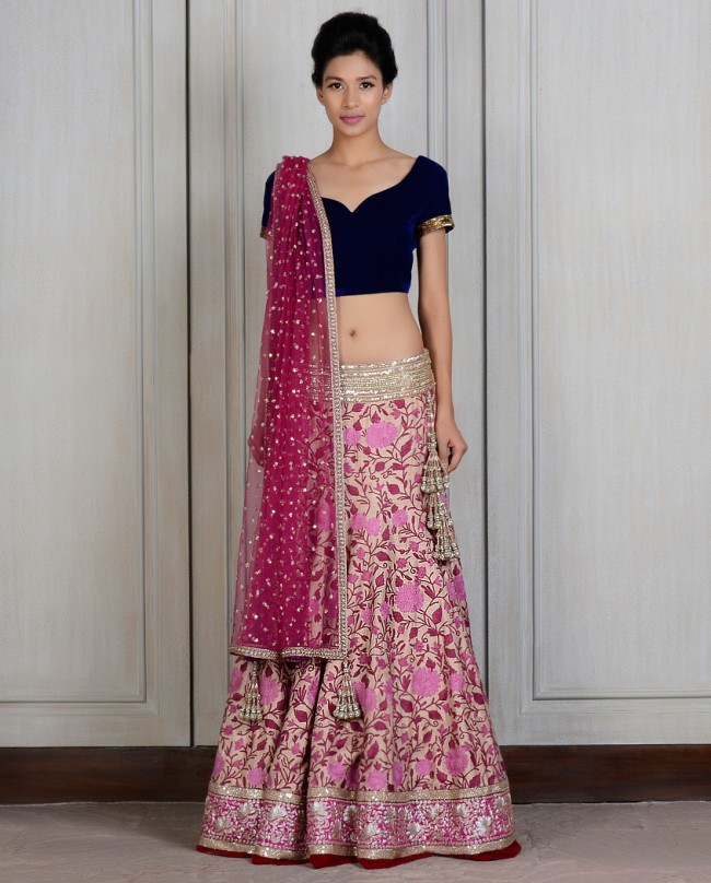 Manish Malhotra Latest Lehnga dresses designs for women 2014-2015 (1)