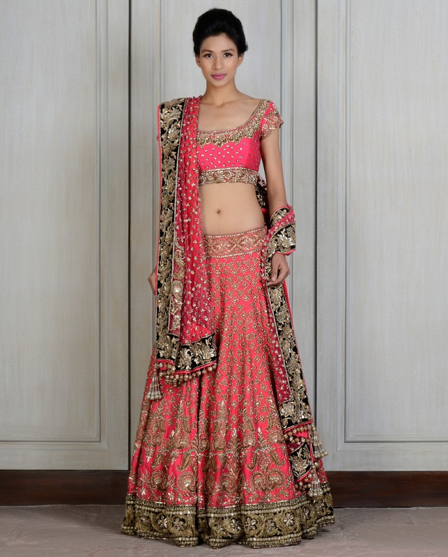 Manish Malhotra Latest Lehnga dresses designs for women 2014-2015 (3)