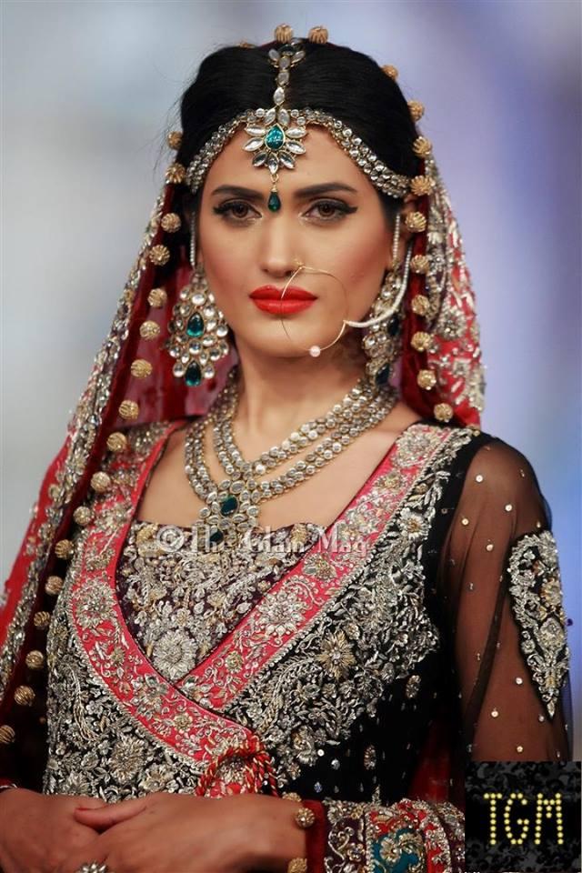 Zainab Chothani Latest Bridal collection 2014-2015 Pantene Bridal Couture week 2014 (2)