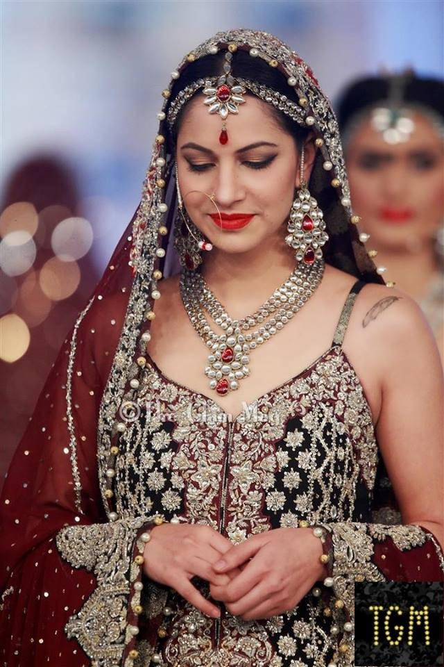 Zainab Chothani Latest Bridal collection 2014-2015 Pantene Bridal Couture week 2014 (4)