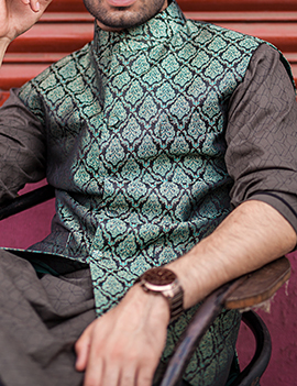 Arsalan Iqbal Men Festive Collection 2016-2017  Kurta Shalwar & Waist Coat Designs (2)