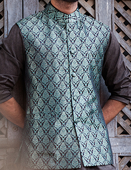 Arsalan Iqbal Men Festive Collection 2016-2017  Kurta Shalwar & Waist Coat Designs (20)