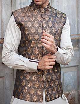 Arsalan Iqbal Men Festive Collection 2016-2017  Kurta Shalwar & Waist Coat Designs (3)
