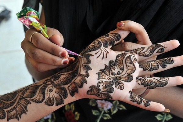 Latest Eid Mehndi Designs Collection for Girls 2014-2015 (16)