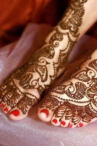 Latest Eid Mehndi Designs Collection for Girls 2014-2015 (2)