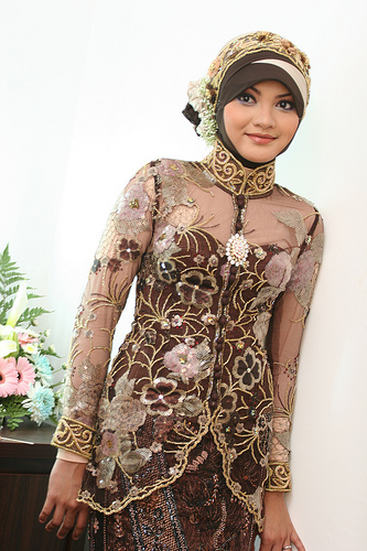 New Arabic bridal Dresses collection and hijabs for Muslim Women 2014-2015 (5)