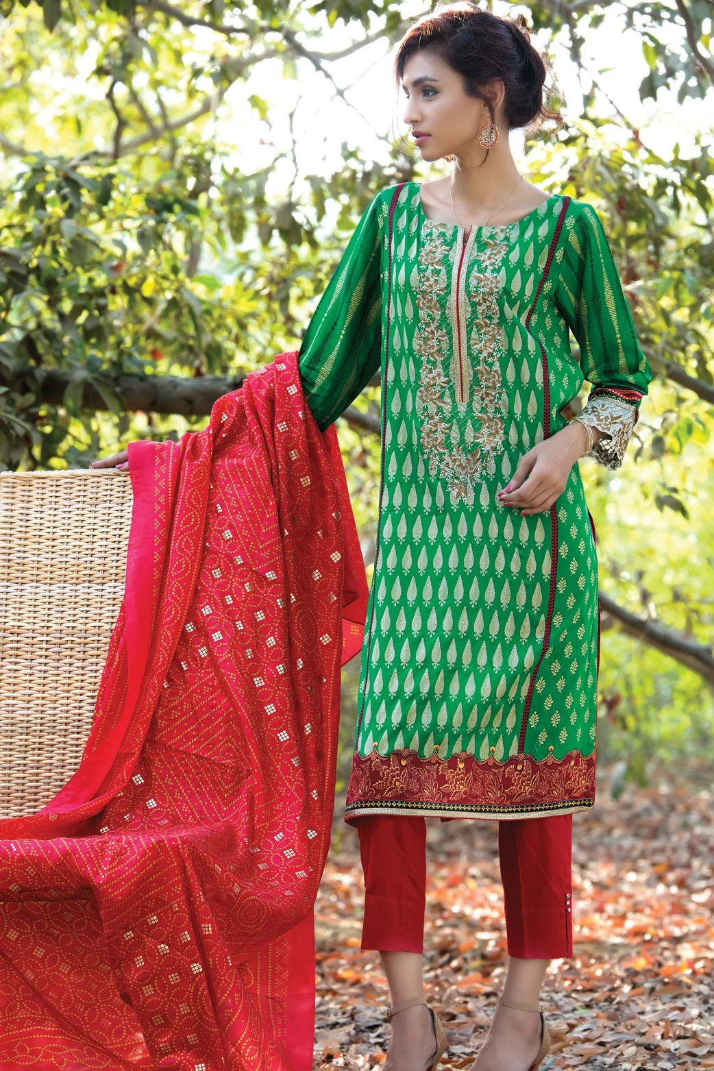 Zeen Embroidered Eid Luxurious Collection 2016-2017 for Women (10)