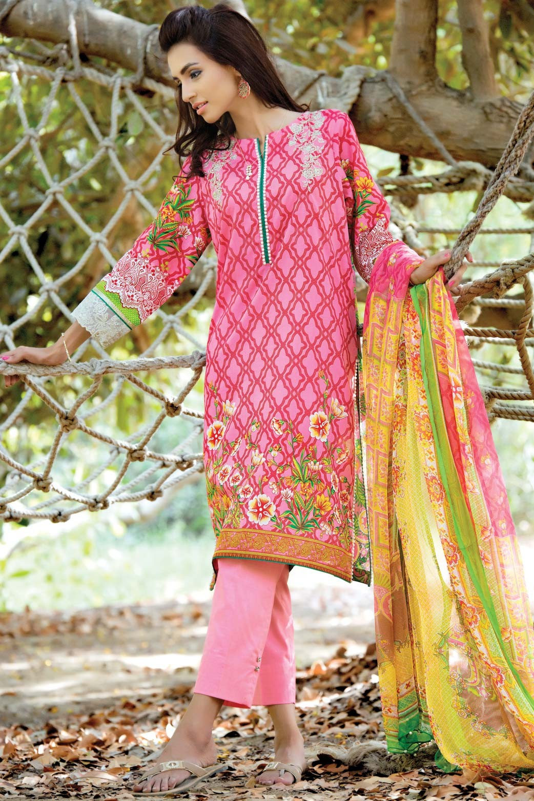 Zeen Embroidered Eid Luxurious Collection 2016-2017 for Women (13)