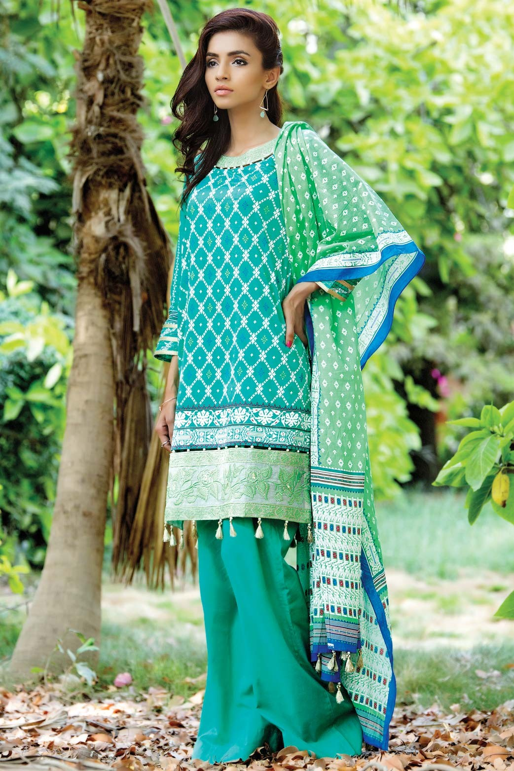 Zeen Embroidered Eid Luxurious Collection 2016-2017 for Women (16)