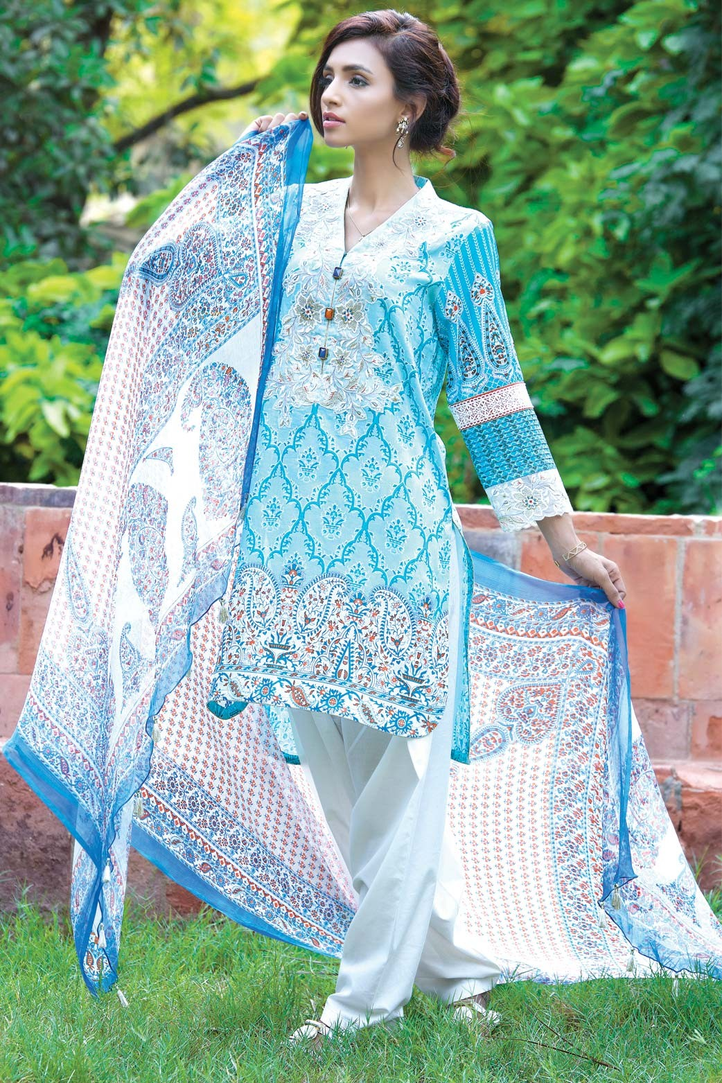 Zeen Embroidered Eid Luxurious Collection 2016-2017 for Women (17)