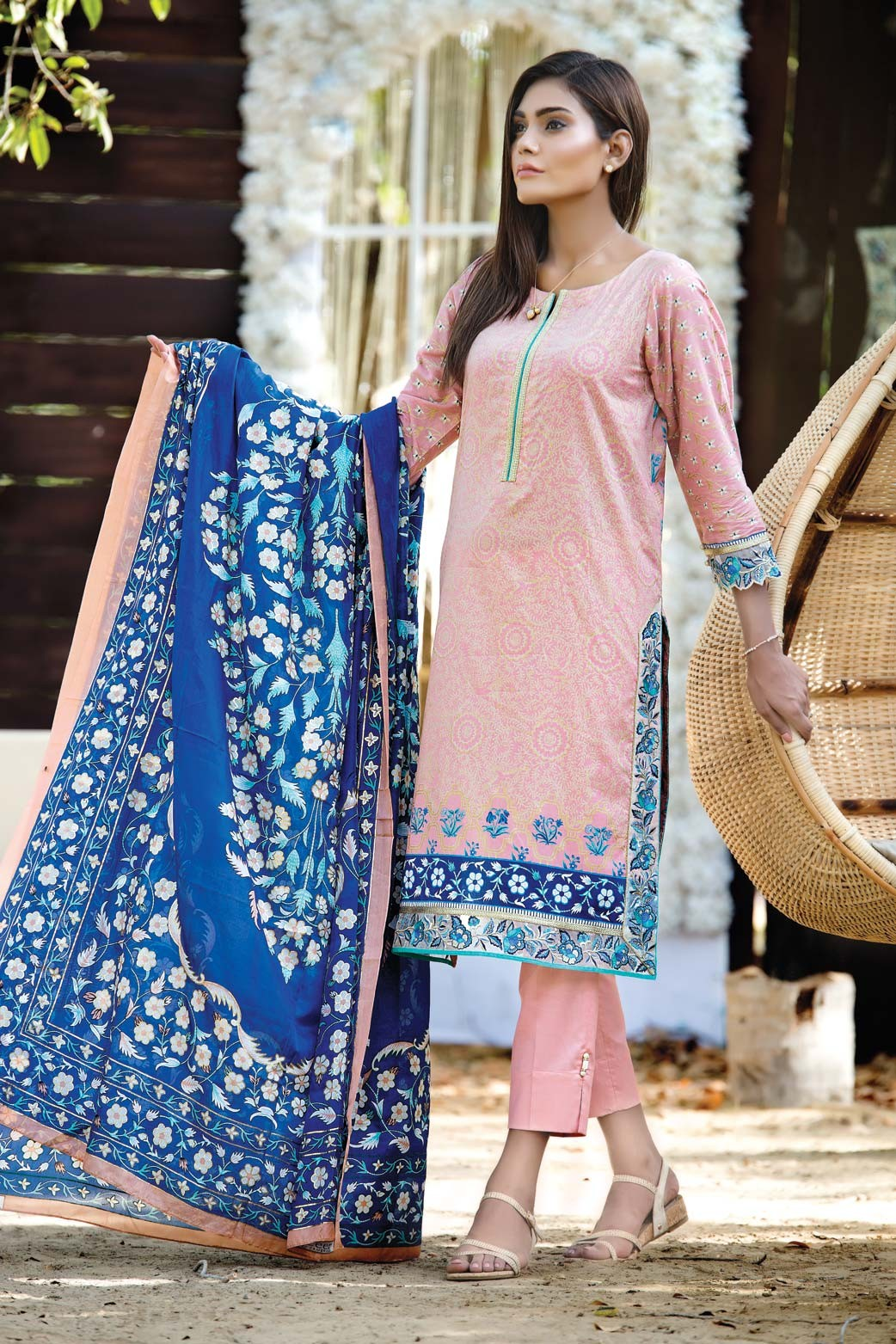 Zeen Embroidered Eid Luxurious Collection 2016-2017 for Women (18)