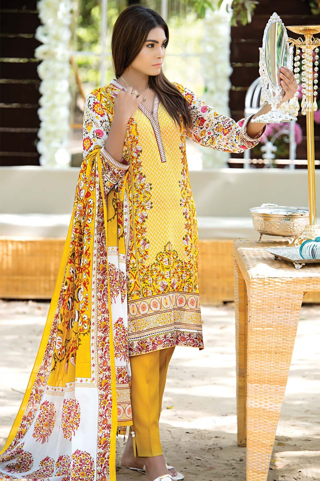 Zeen Embroidered Eid Luxurious Collection 2016-2017 for Women (19)