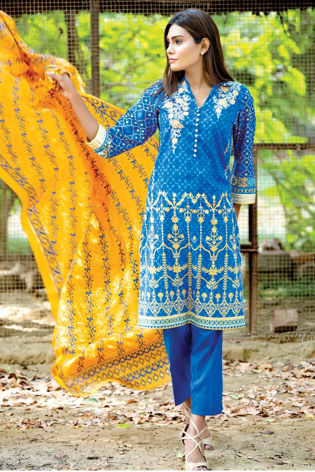 Zeen Embroidered Eid Luxurious Collection 2016-2017 for Women (21)