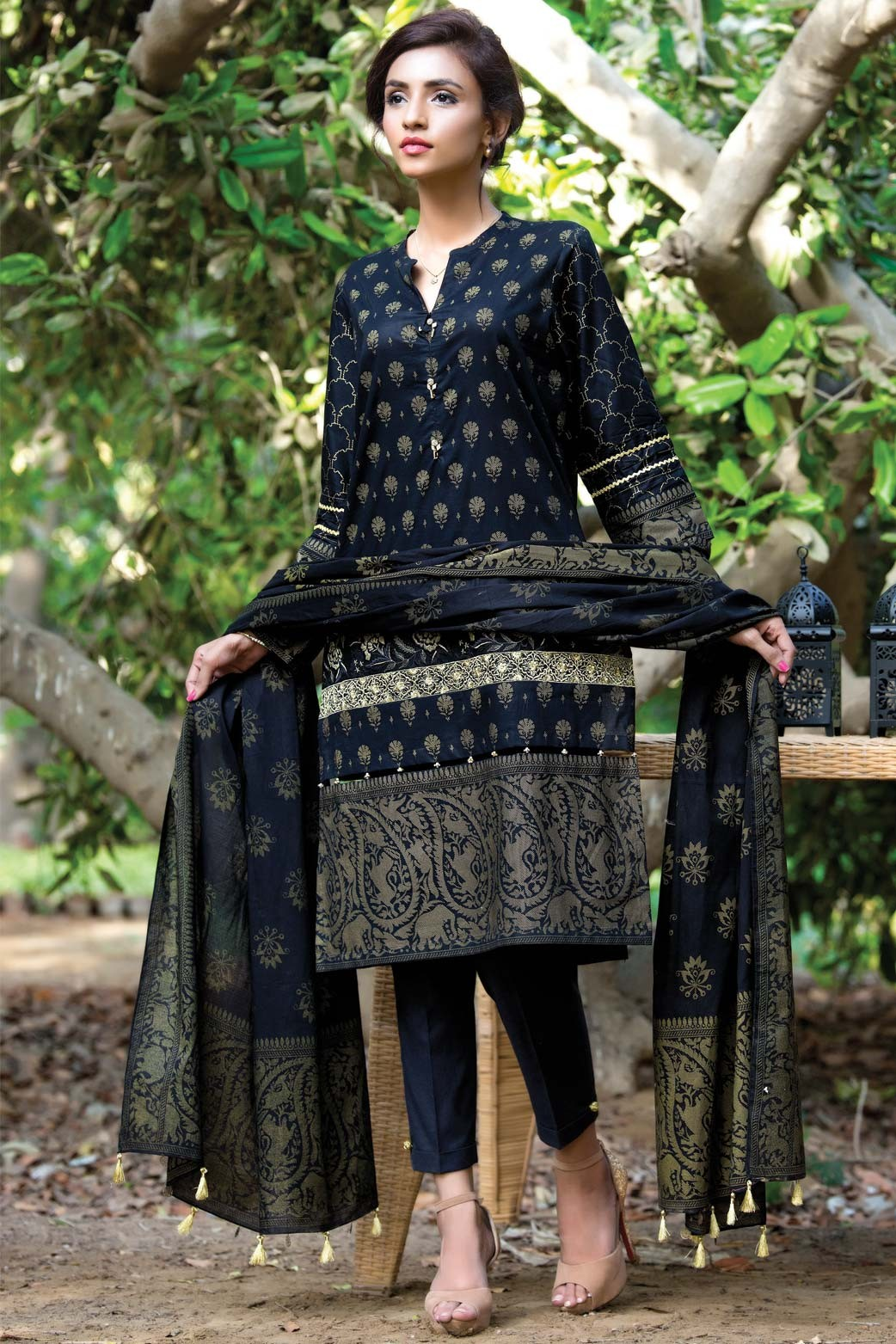 Zeen Embroidered Eid Luxurious Collection 2016-2017 for Women (5)