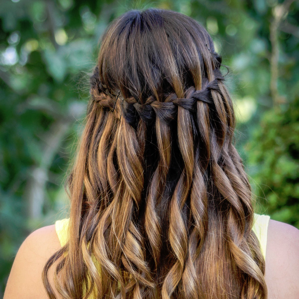 Latest Trends of Best and Trendy Curly & Wavy Hairstyles for Women