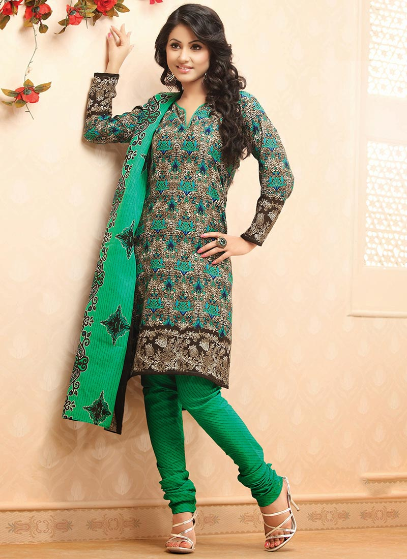 Latest Fashion of Designer Punjabi Dresses & Patiala Salwar Kameez Suits for Women (11)