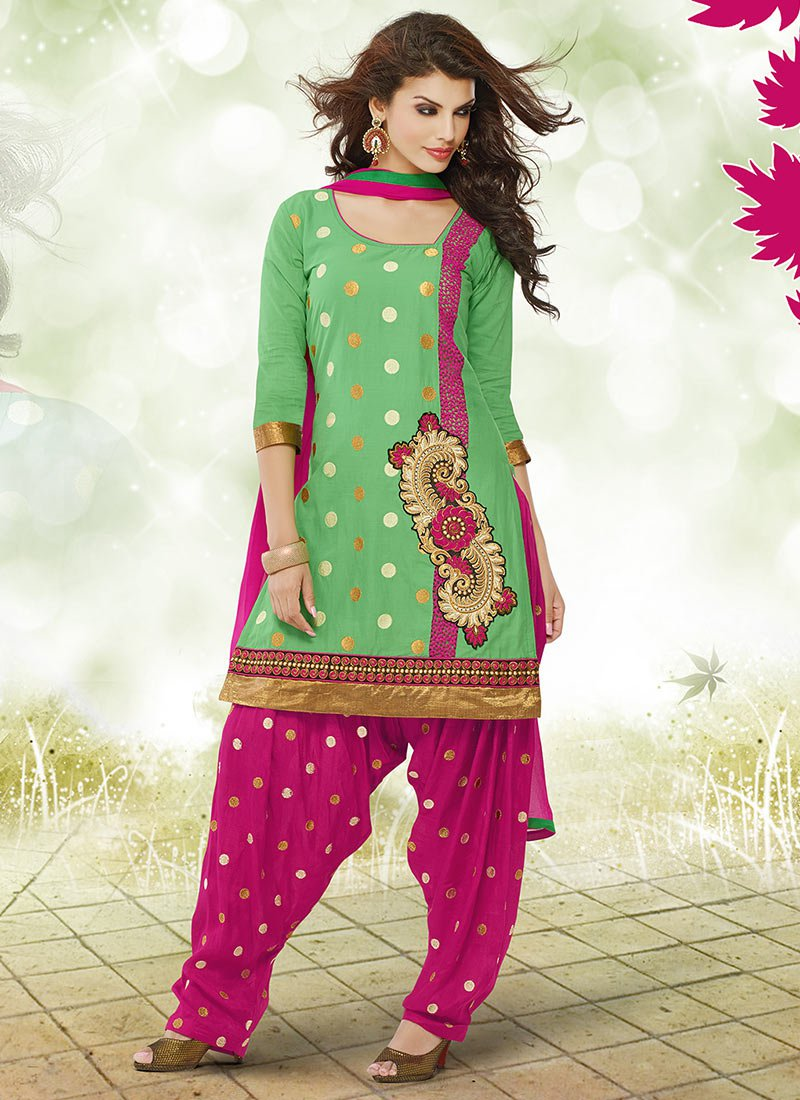 Latest Fashion of Designer Punjabi Dresses & Patiala Salwar Kameez Suits for Women (14)